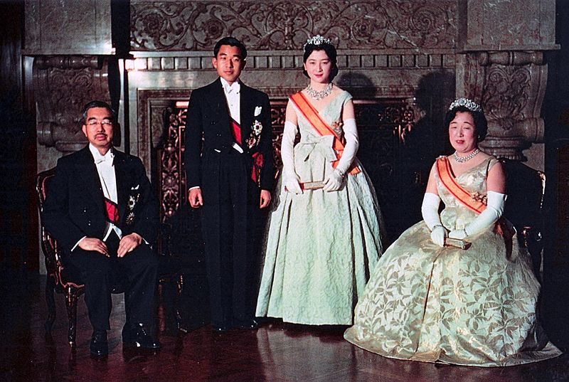 Crown Prince & Princess & Emperor Showa & Empress Kojun wedding 1959-4
