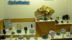 Cyclosilicate exhibit, Museum of Geology, South Dakota