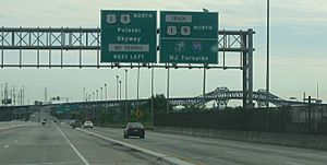 Northbound approaching Pulaski Skyway