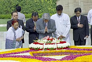 The Prime Minister of Japan, Mr. Junichiro Koizumi paying tributes to Mahatma Gandhi at his Samadhi at Rajghat in Delhi on April 29, 2005