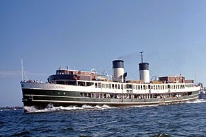 Sydney Ferry SOUTH STEYNE on Sydney Harbour off Point Piper & Rose Bay 1972