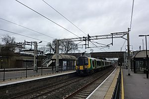 London Midland train at Tring Station