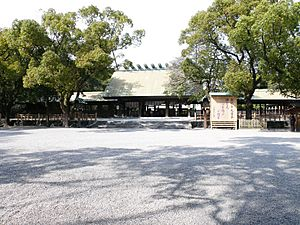 Atsuta Shrine 01