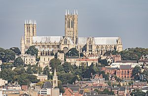 Lincoln Cathedral (36623454193).jpg