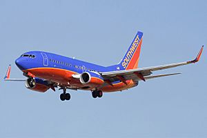 Southwest Airlines Boeing 737-7H4 N231WN