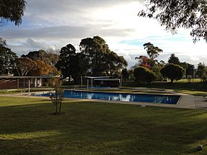 Yallourn North Swimming Pool