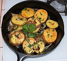 Potatoes lyonnaise