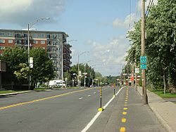 Quebec Route 122 through Drummondville