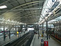 Overview of Leeds City railway station 04