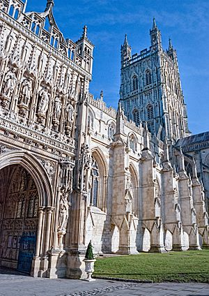 Gloucester cathedral (16486892115).jpg