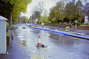 A23 closed by floods, November 2000 - geograph.org.uk - 1656937