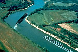 Cumberland River barge traffic