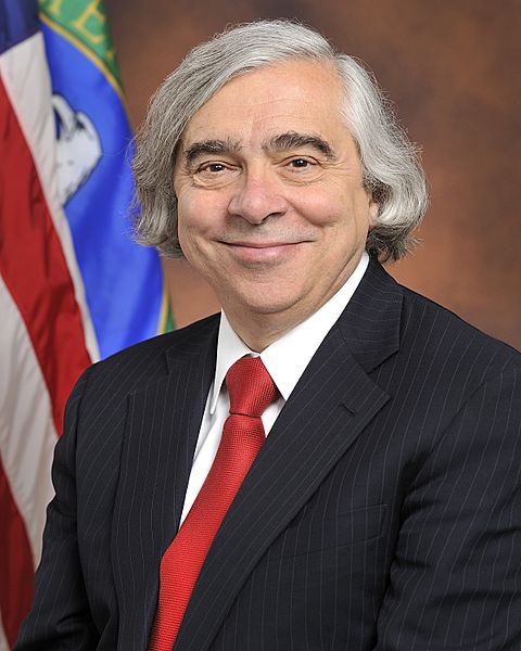 Moniz official portrait sitting