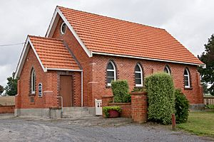 Walton Community Church, Walton (2)