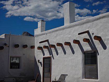Detail, Side Patio, Casa del Gavilan, near Cimarron, NM