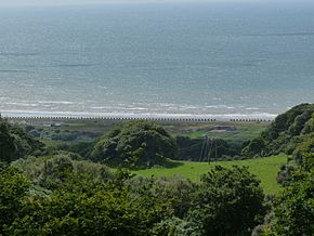 Dragons Teeth - Fairbourne Beach - geograph.org.uk - 1413179