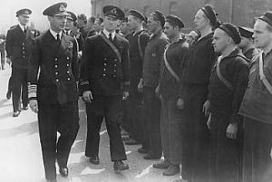 George VI inspecting the crew of HNoMS Draug