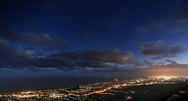 Wollongong at night.jpg