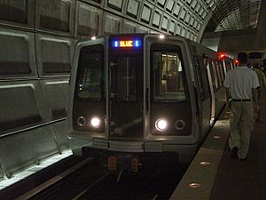 WMATA 5000-Series train at Rosslyn station lower level