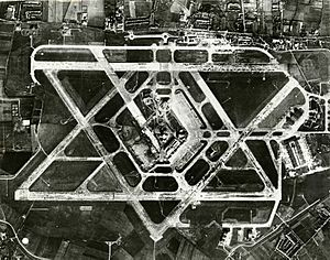 Aerial photograph of Heathrow Airport, 1955