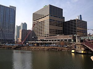 20140321 Wolf Point Towers (1)