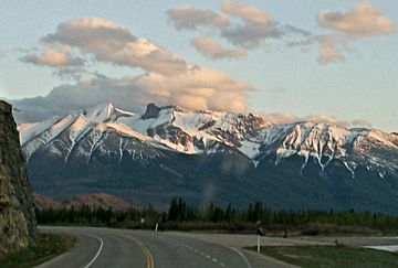 Cinquefoil Mountain seen from Highway 16.jpg