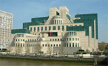 Secret Intelligence Service building - Vauxhall Cross - Vauxhall - London - 24042004