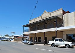 West Wyalong Post Office Hotel 001