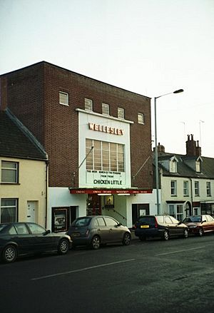 Art Deco Wellesley Cinema, Mantle Street, Wellington - geograph.org.uk - 212954