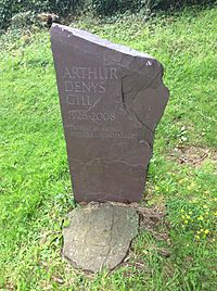 Gravestone Arthur Gill, Church of St Martin, Cwmyoy