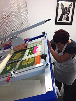 Screen print squeegee hand bench