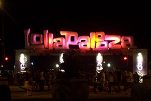 Lollapalooza sign