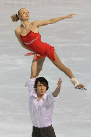 Maria Mukhortova and Maxim Trankov at 2010 European Championships (3)