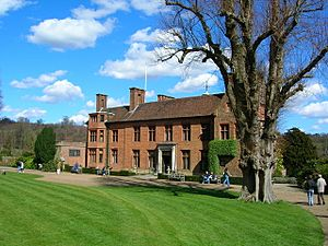 Chartwell House - front elevation - geograph.org.uk - 149040