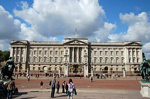 Buckingham Palace, London (4656121008)