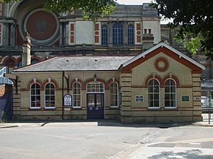 Alexandra Palace stn (Muswell Hill branch) building