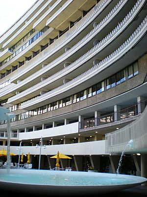 Watergate Hotel & Apartments