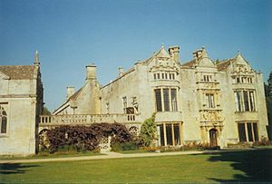 Burford Priory001