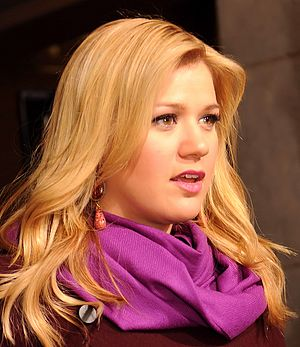 Picture of Kelly Clarkson arriving at the 57th Presidential Inauguration