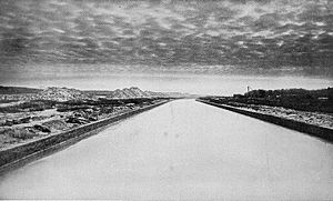 Chicago Sanitary and Ship Canal at Willow Springs, Illinois (1904)