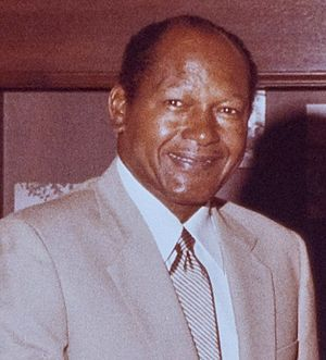 Los Angeles Mayor Tom Bradley meets with Rodolfo Escalera (Crop).jpg