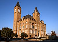 Tipton-county-courthouse