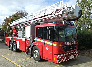 Aerial Ladder Platform fire truck (London, UK - 2007)