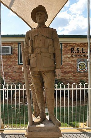 Soldier Statue, Chinchilla, 2011.jpg