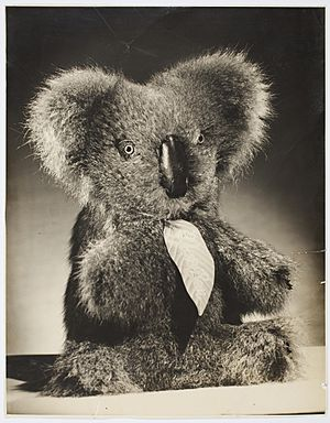 Aussie Bear toy koala, ca. 1944-1945 - photographed by Milton Kent and Noel Rubie (8120447211) (2)