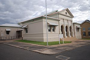 Charters Towers Court House.jpg