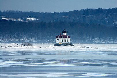 Esopus Meadows Light