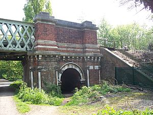 Kew Rail Bridge stonework