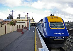 CountryLink XPT 2018 at Junee 01
