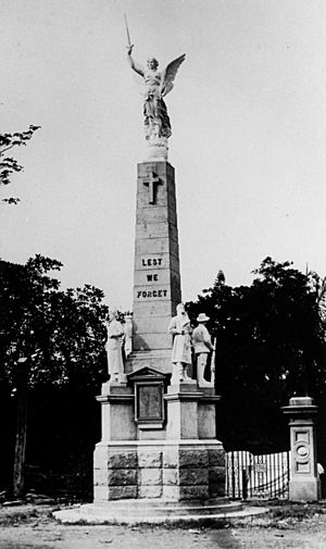 StateLibQld 2 74239 War Memorial, Maryborough, ca. 1922